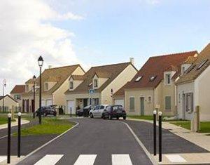 Achat / Vente programme immobilier neuf Maule à deux pas du collège (78580) - Réf. 249